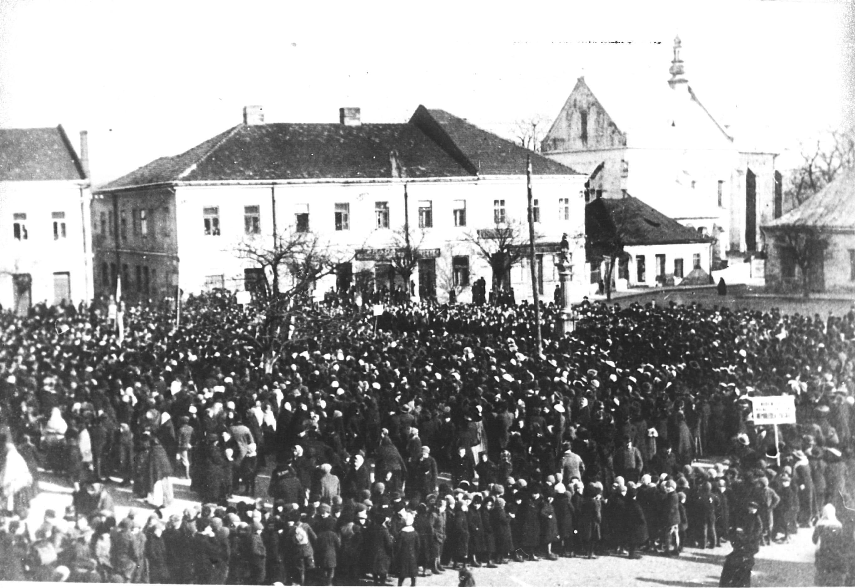 manifestacja na rynku 1918r.