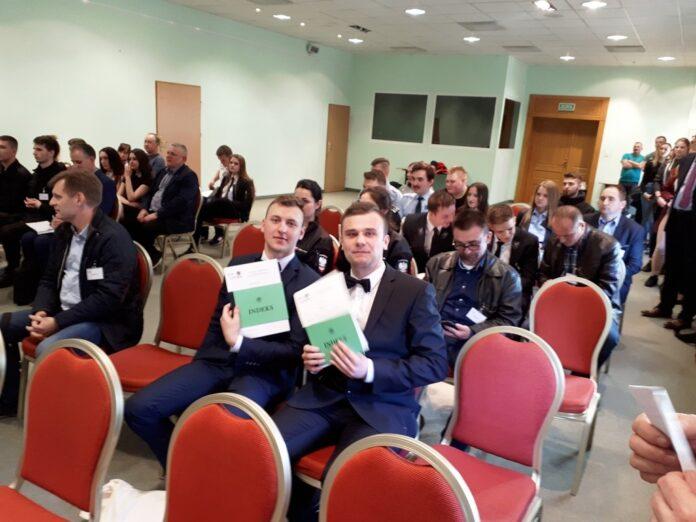 Sukces uczniów z Trzcinicy w Olimpiadzie Policyjnej