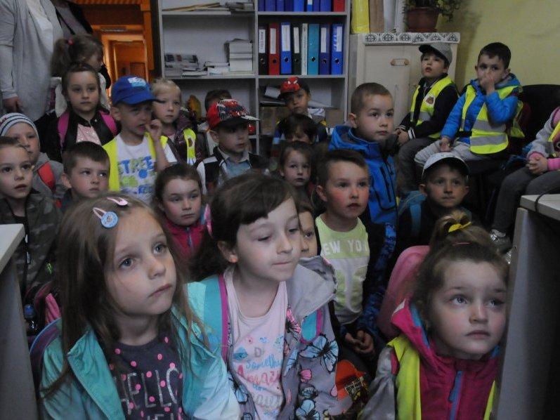 Przedszkolaki z wizytą na komendzie