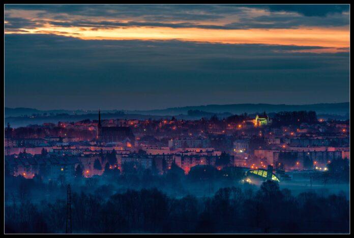 Wieczorna panorama Jasła - Antoni Kostyra