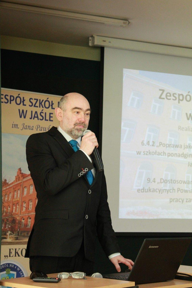 Powiat Jasielski stawia na edukację!