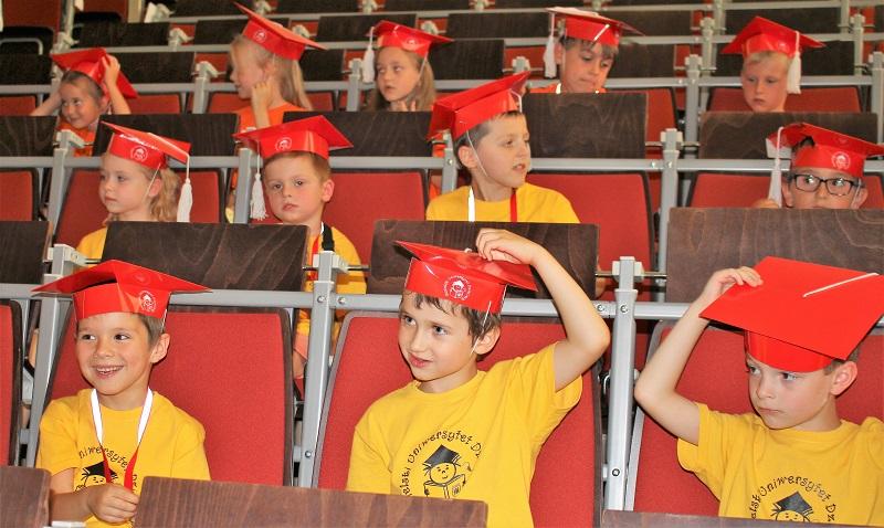 Zakończenie roku akademickiego 2017/2018 na Jasielskim Uniwersytecie Dziecięcym
