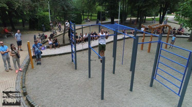 Otwarcie parku kalistenicznego na Ogródku Jordanowskim - aktualności Jasło