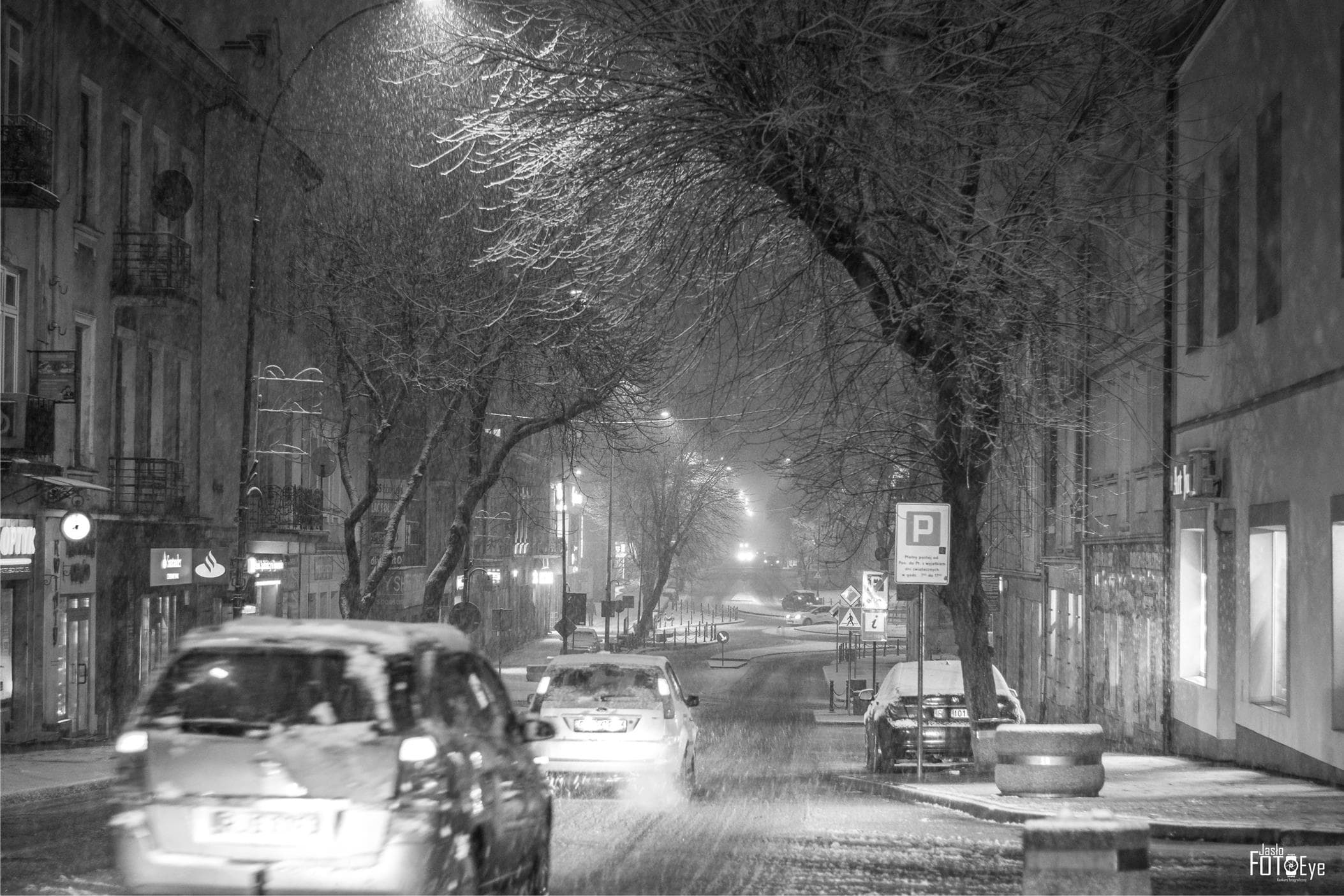 Zimowe Jasło nocą_fot. Grzegorz Frączek