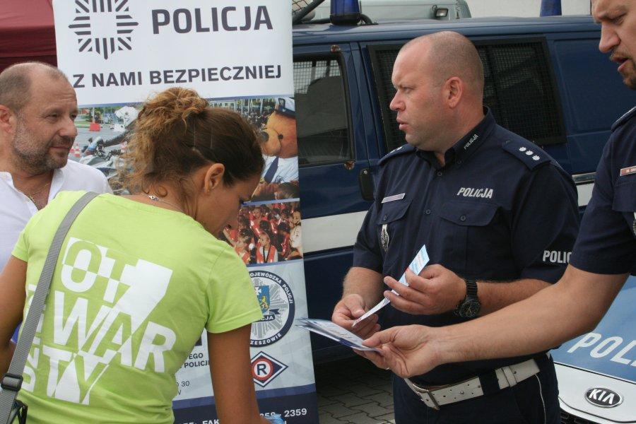 Policjanci promowali bezpieczeństwo na pikniku rodzinnym