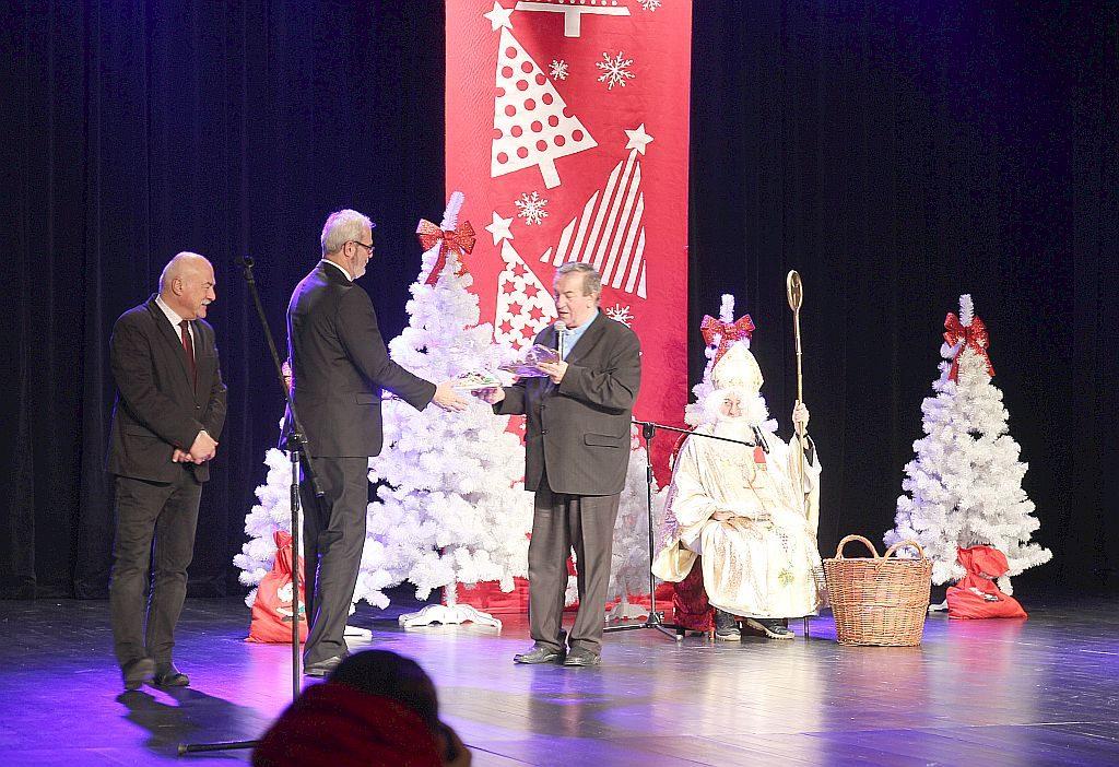 Caritasowy Mikołaj w Jasielskim Domu Kultury