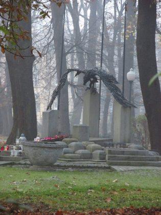 Antoni Moskal PARK MIEJSKI - Pomnik Nieznanego Żołnierza