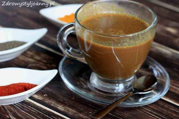 Domowa gorąca czekolada z kurkumą