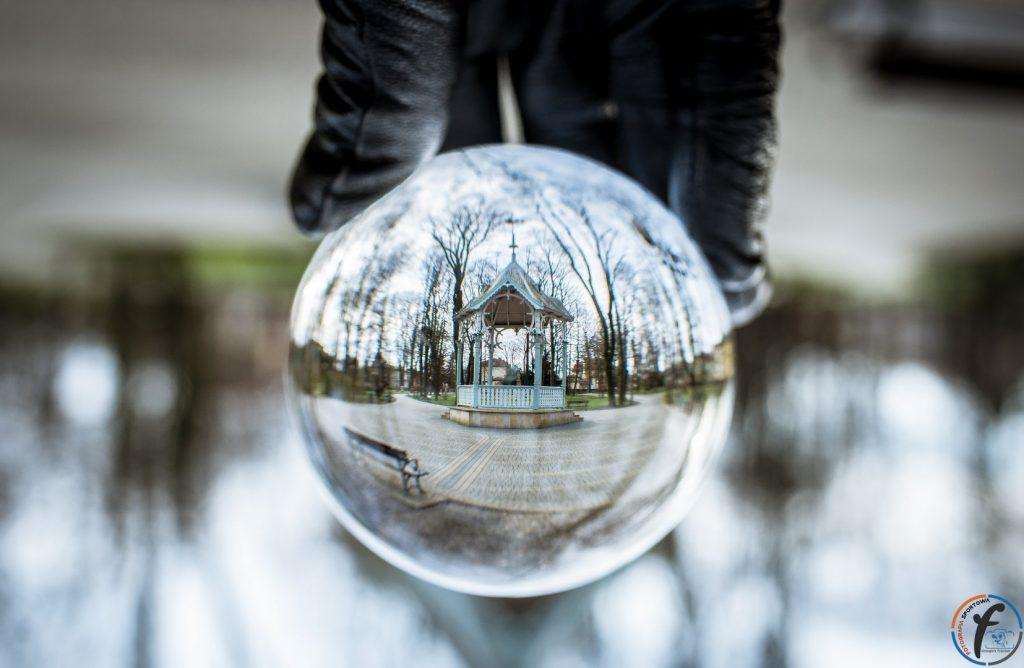 Jasło w szklanej kuli