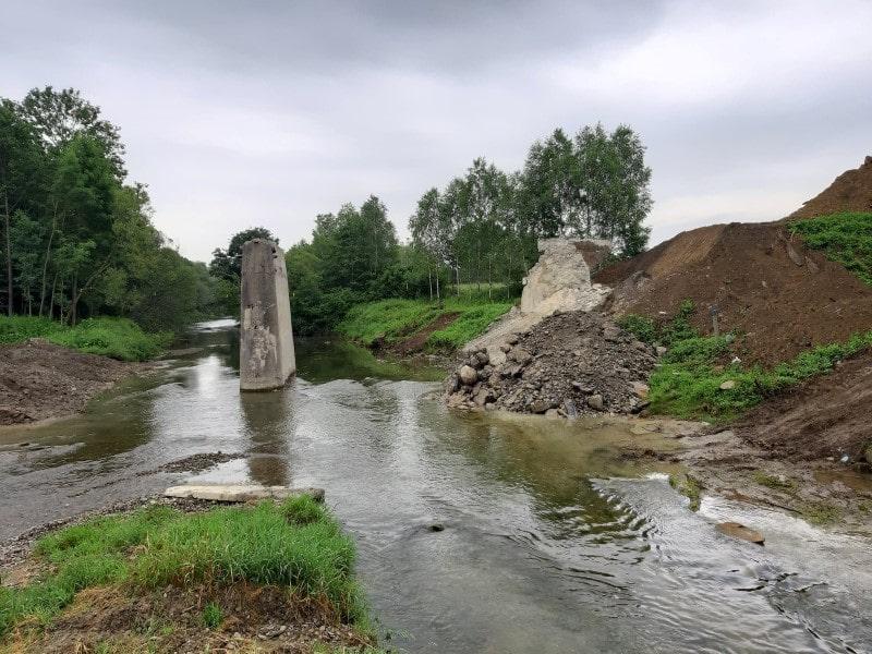 Trwają prace przy budowie mostu w Dobrucowej