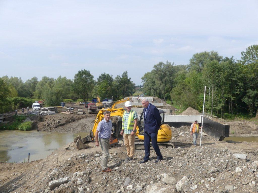 Budowa mostu w Dobrucowej
