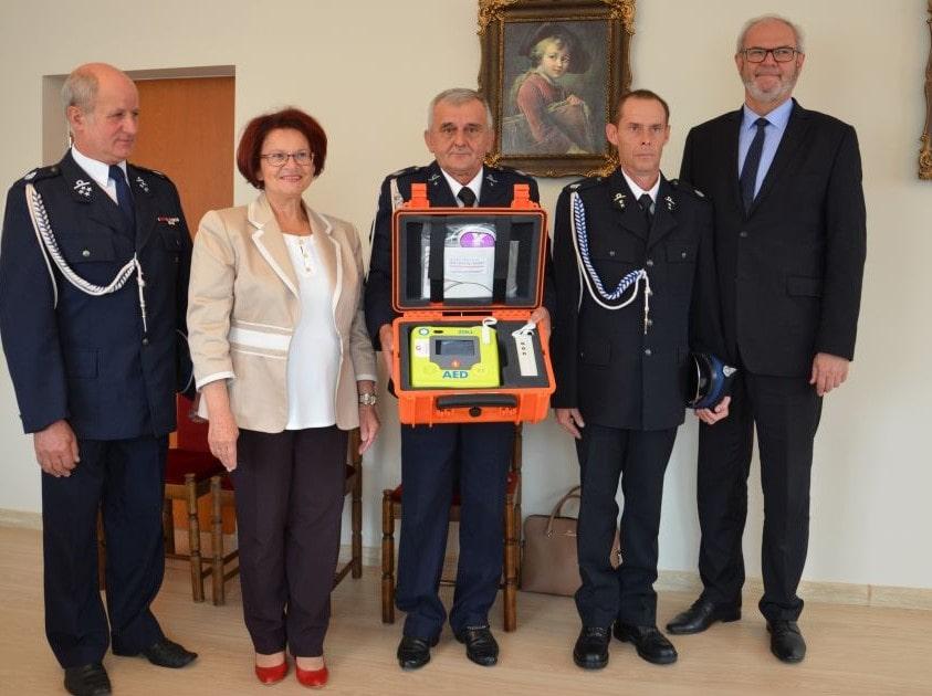 Ochotnicza Straż Pożarna w Żółkowie otrzymała defibrylator