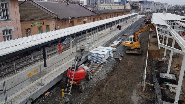 Rzeszów Główny – z nowego peronu do Jasła