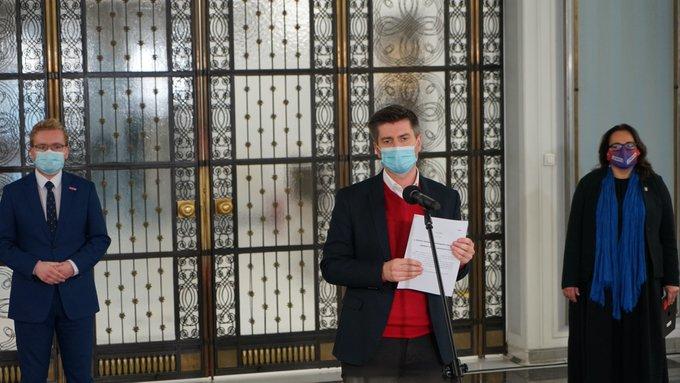 Lewica chce karać za negowanie skutków pandemii