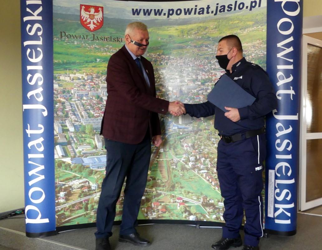Dobra współpraca pomiędzy policją, a samorządem powiatowym