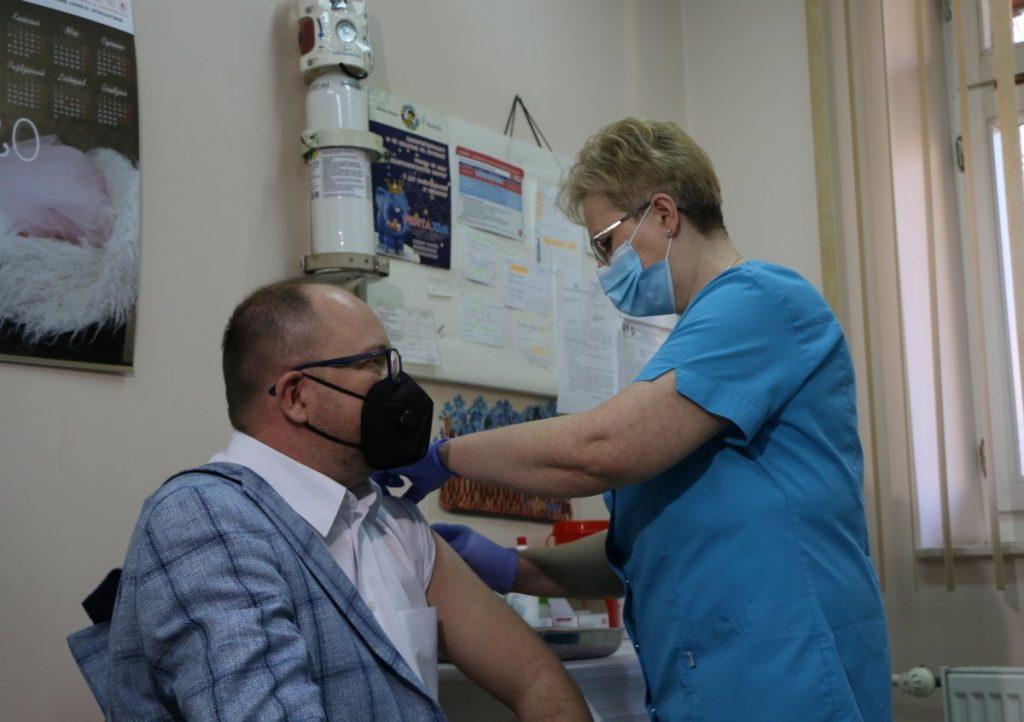 Szczepienia przeciw COVID-19. Zaszczepiono pierwszą osobę na Podkarpaciu