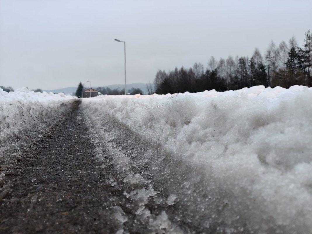Śnieżna breja na jasielskich ulicach
