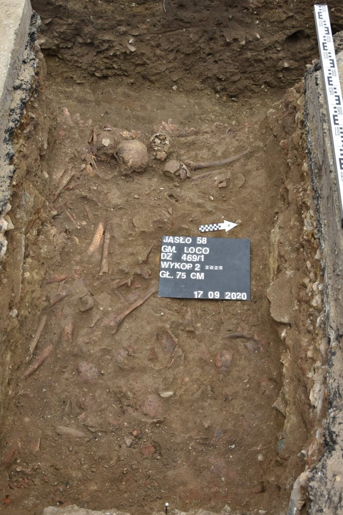 Wykopaliska Jasło - odkryto 18 pochówków szkieletowych