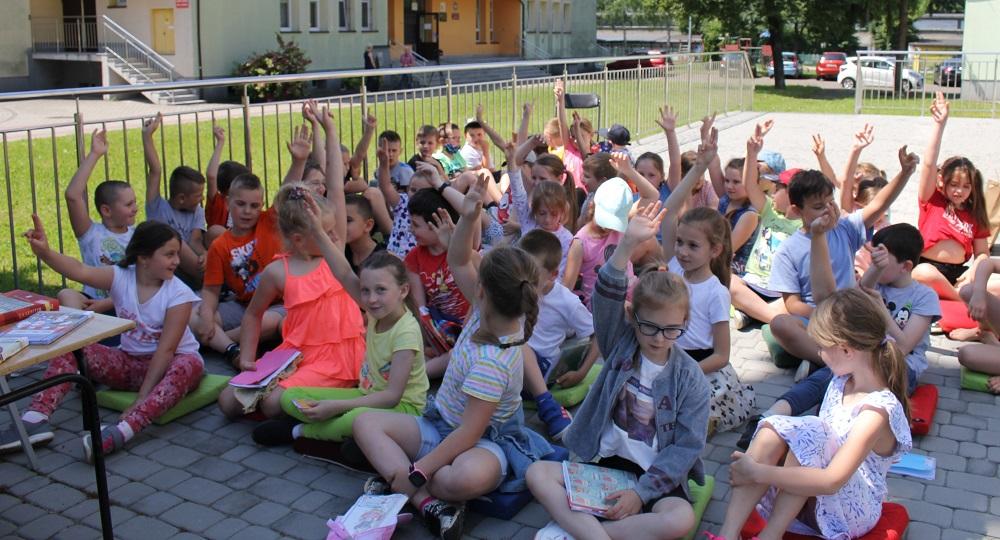 CzytaMy i rozwijamy wyobraźnię - Miejska Biblioteka Publiczna w Jaśle