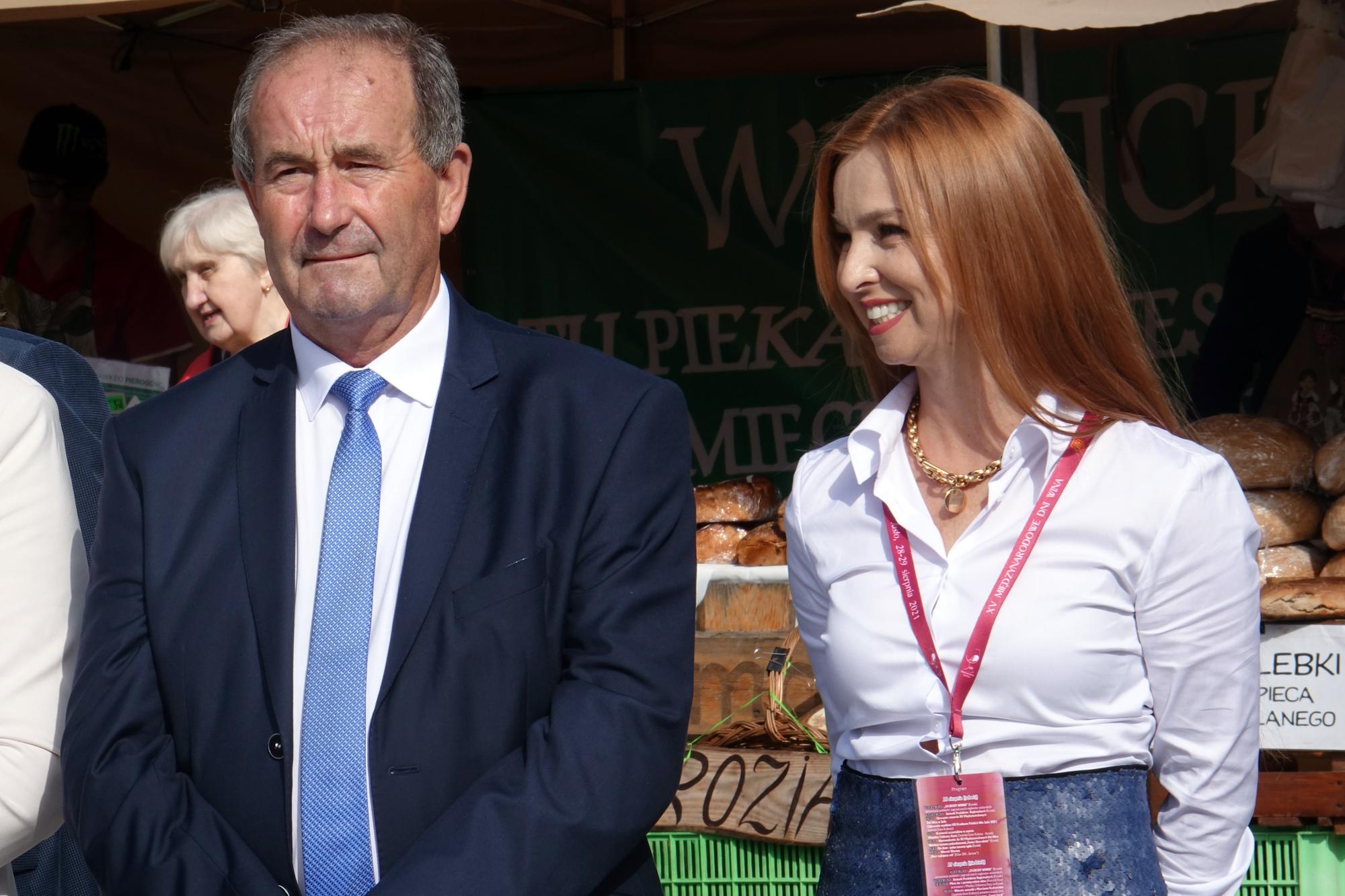 Święto Wina w Jaśle 2021 - Henryk Rak i Elwira Musiałowicz-Czech