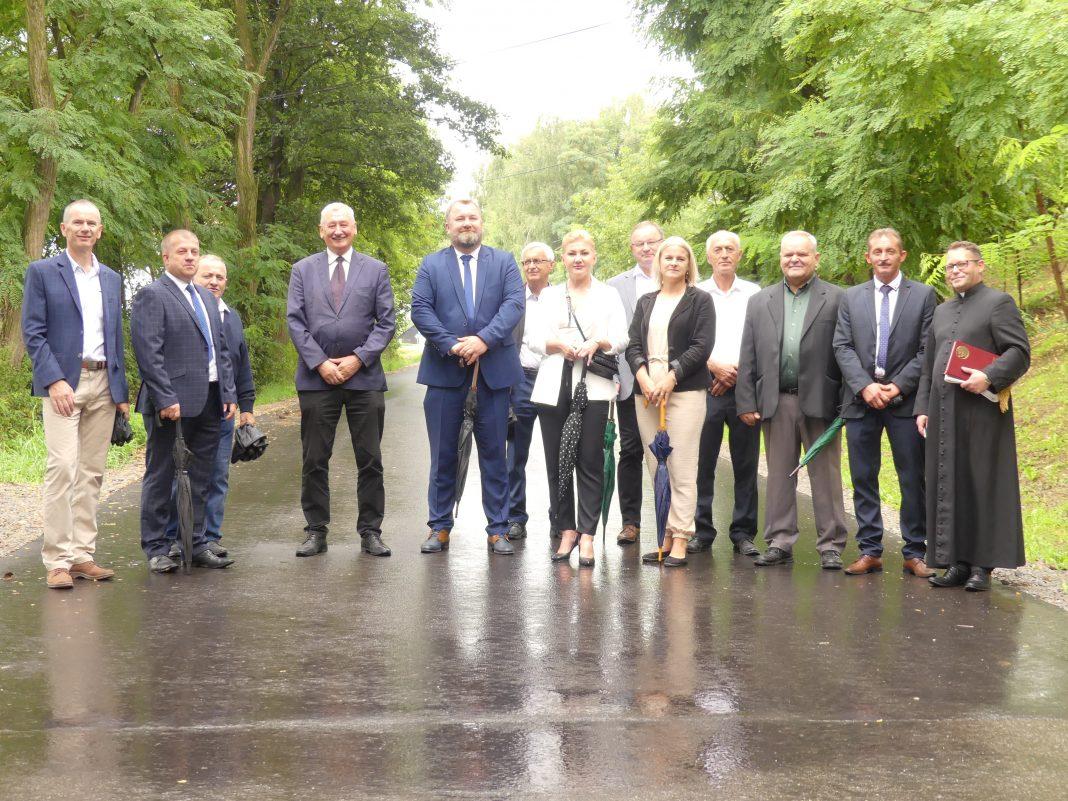 Oddanie wyremontowanego odcinka drogi Kołaczyce-Brzyska-Brzyska przez wieś