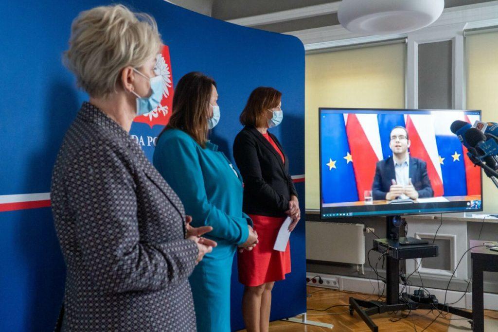 Minister Piotr Mazurek zaprasza do udziału w konsultacjach strategii dla młodych