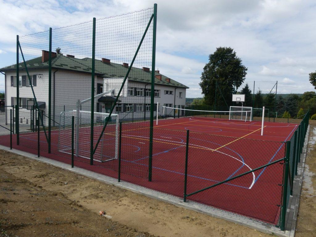 Skołyszyn. Nowe boiska wielofunkcyjne w Lisowie i Jabłonicy