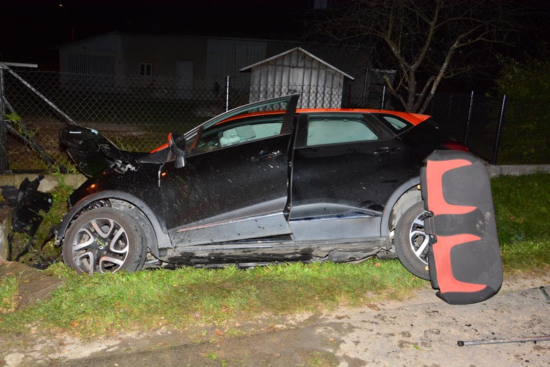Tragiczny wypadek w Jedliczu. Kierowca osobowego renault nie przeżył